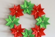 Paper Christmas Wreath (mini-tutorial)