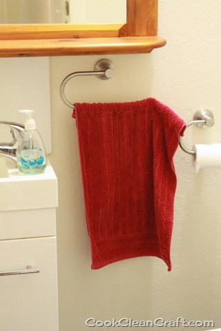Keep Hand Towel on Rail (6)