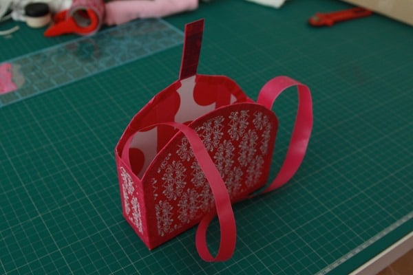Make it Amazing Scotch Tape Handbag (24)