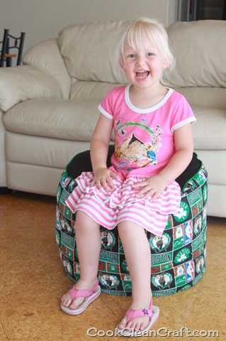 Sew a foot stool (12)