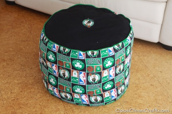 Sew a foot stool (9)