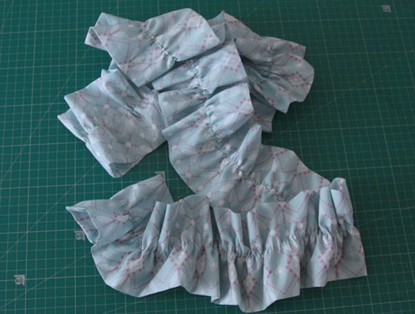 Sew a ruffled scarf tutorial (8)