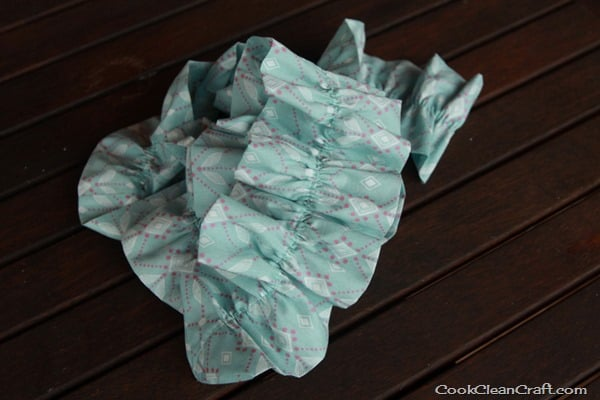 Sew a ruffled scarf tutorial (9)