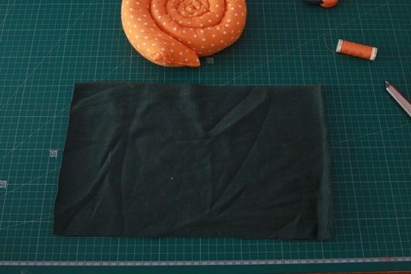 Sew a stuffed snail (12)