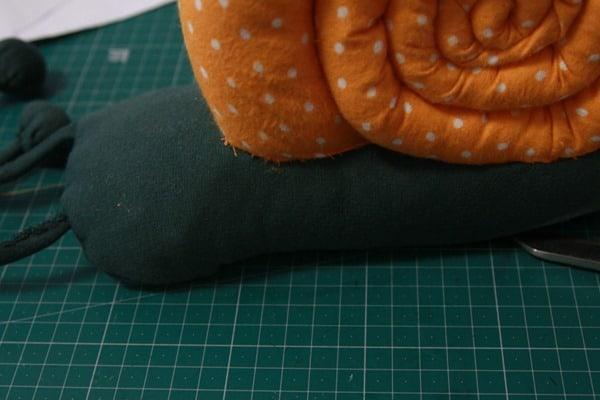 Sew a stuffed snail (25)