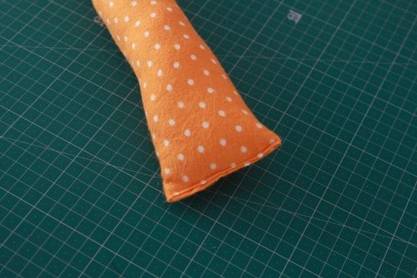 Sew a stuffed snail (5)