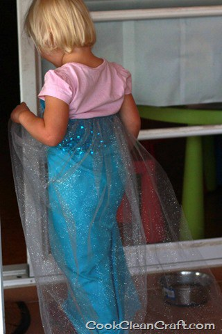 Frozen Elsa Costume Tutorial (1)