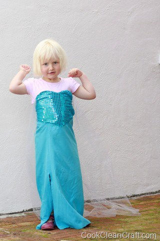 Frozen Elsa Costume Tutorial (2)