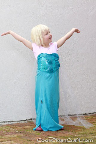 Frozen Elsa Costume Tutorial (3)