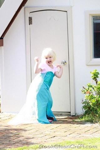 Frozen Elsa Costume Tutorial (5)