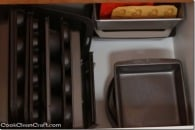 How to organize baking and muffin trays