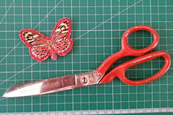 Sew a butterfly hairclip (5)