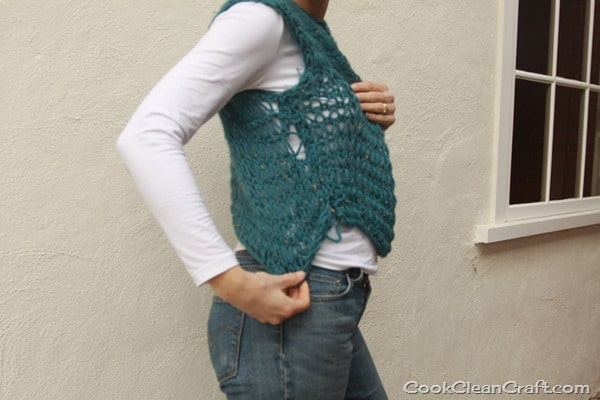 Cropped Knitted Vest (1)