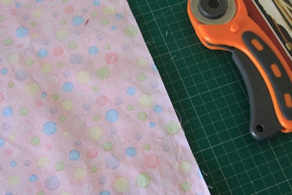 How to sew a laminated cotton placemat (6)