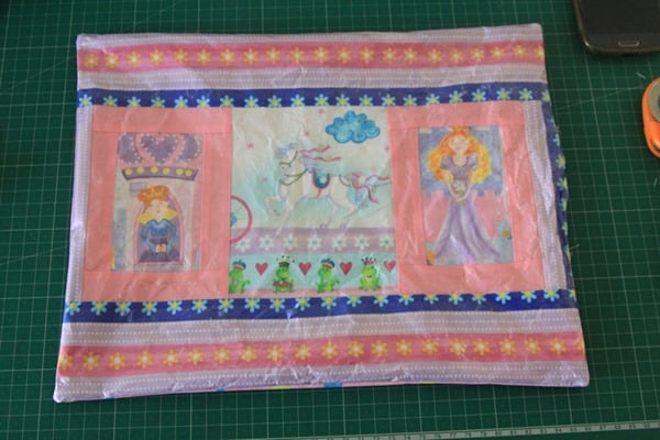 How to sew a laminated cotton placemat (7)