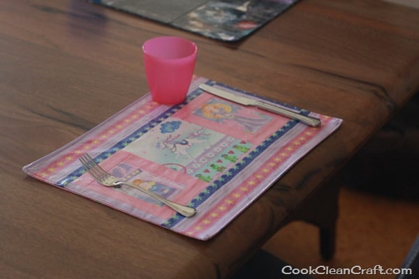 Sew a Laminated Placemat (4)