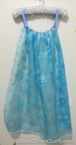Sew a Quick Elsa Cape