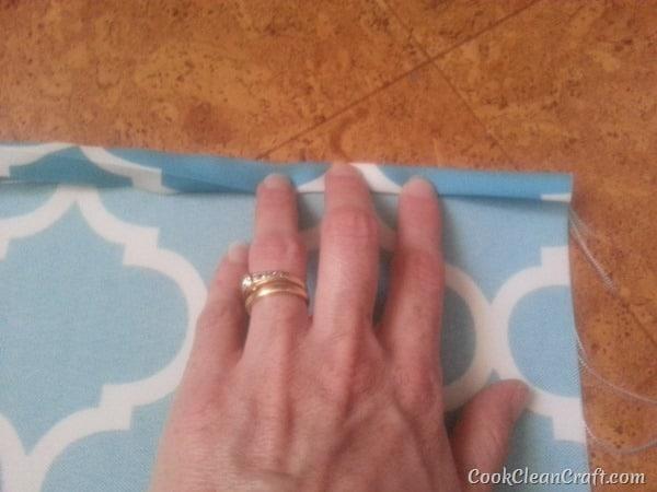 Envelope cushion sewing tutorial (1)