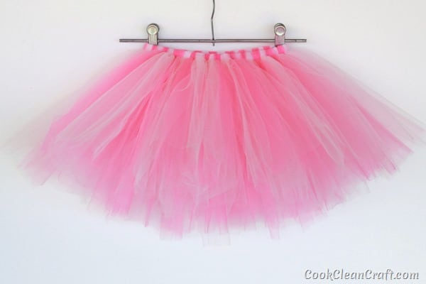 How to quickly sew a tulle tutu (6)