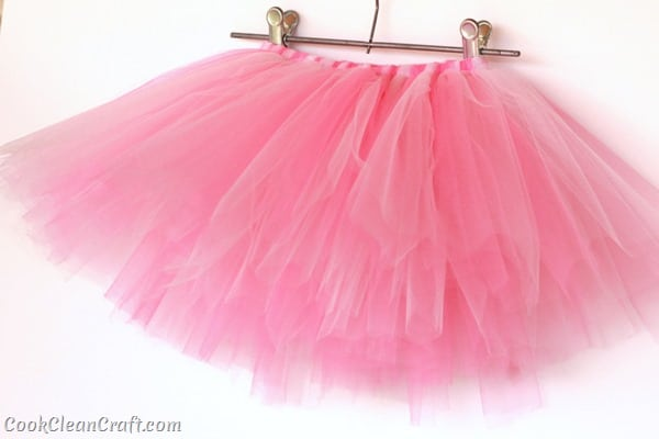 How to quickly sew a tulle tutu (7)