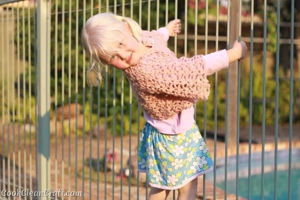 Little Girl Lacy Crochet Cardigan (10)