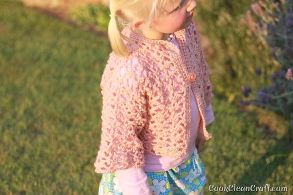 Little Girl Lacy Crochet Cardigan (1)