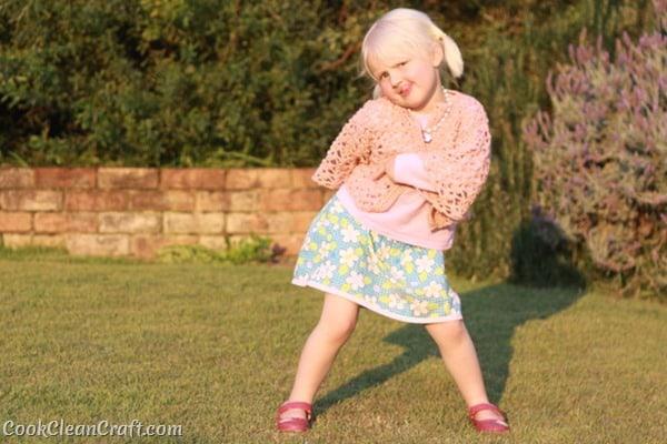 Little Girl Lacy Crochet Cardigan (7)