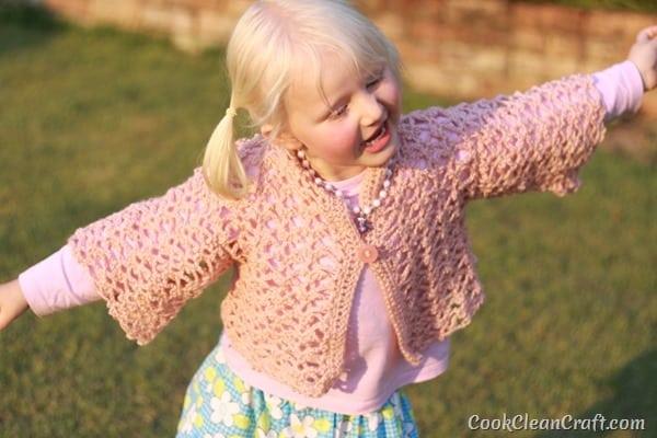 Little Girl Lacy Crochet Cardigan (9)