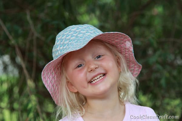 Oliver S Bucket Hat with elastic (11)