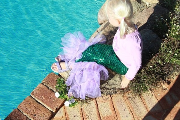 How to sew a Mermaid Tail - great sewing tutorial for the Little Mermaid and Ariel lover (because you can never have too many Disney Princess costumes!)