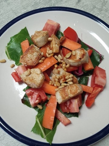 Whole30 Chicken and pine nut salad lunch