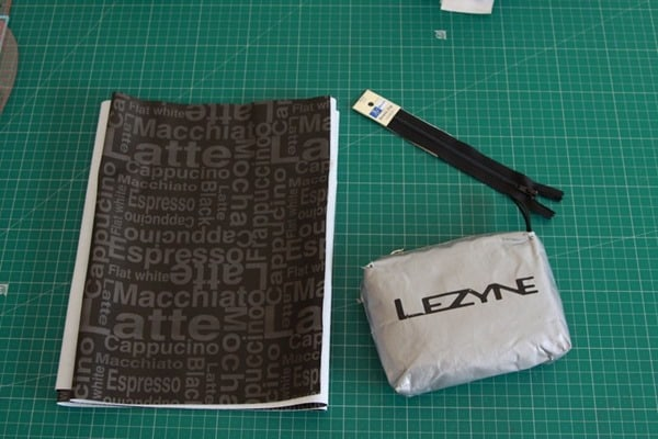 How to sew a waterproof zip pouch (3)
