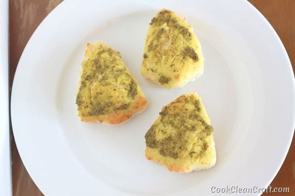 Pesto Christmas Tree Scones (2)